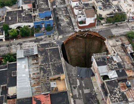 Picture of 2010 sinkhole in Guatemala City.
